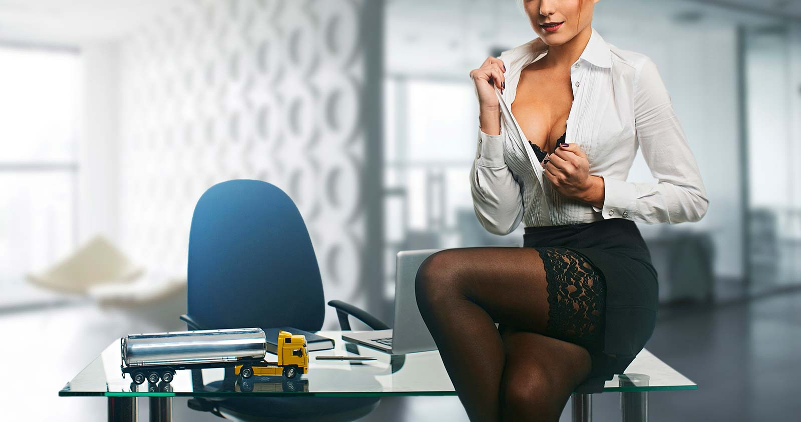 Werbeagentur seit 2002 im Bereich Erotik Onlinewerbung-Marketing. Spezialisiert auf Websites für Prostituierte, Hosting & Professionelle Fotos